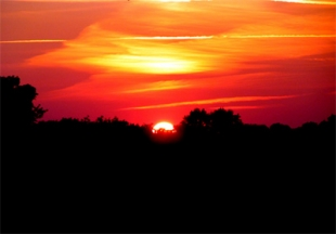"""weather lore red skies at night Red sky at morning episode # season 3,  that night, a man dies, again by  the title of the episode comes from an old piece of weather lore: """"red sky at night,."""